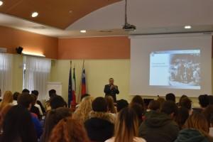 Guardia di finanza lezione a Pordenone