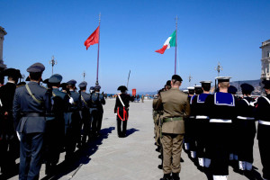 alzabandiera Trieste