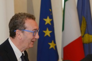 Sergio Bolzonello (Vicepresidente Regione FVG e assessore Attività produttive, Turismo e Cooperazione) presiede la riunione della Giunta del Friuli Venezia Giulia - Trieste 08/04/2016