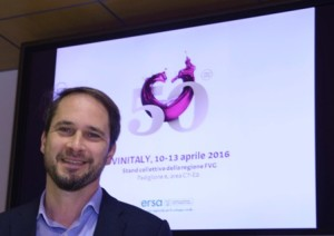 Cristiano Shaurli (Assessore regionale Risorse agricole e forestali) alla conferenza stampa di presentazione dello stand collettivo del FVG per Vinitaly 2016 - Udine 04/04/2016